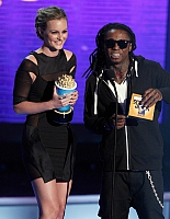 28387 Celebutopia-HLeighton Meester-2009 MTV Movie Awards Show-01 122 16lo